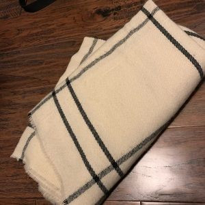White and black big long soft scarf